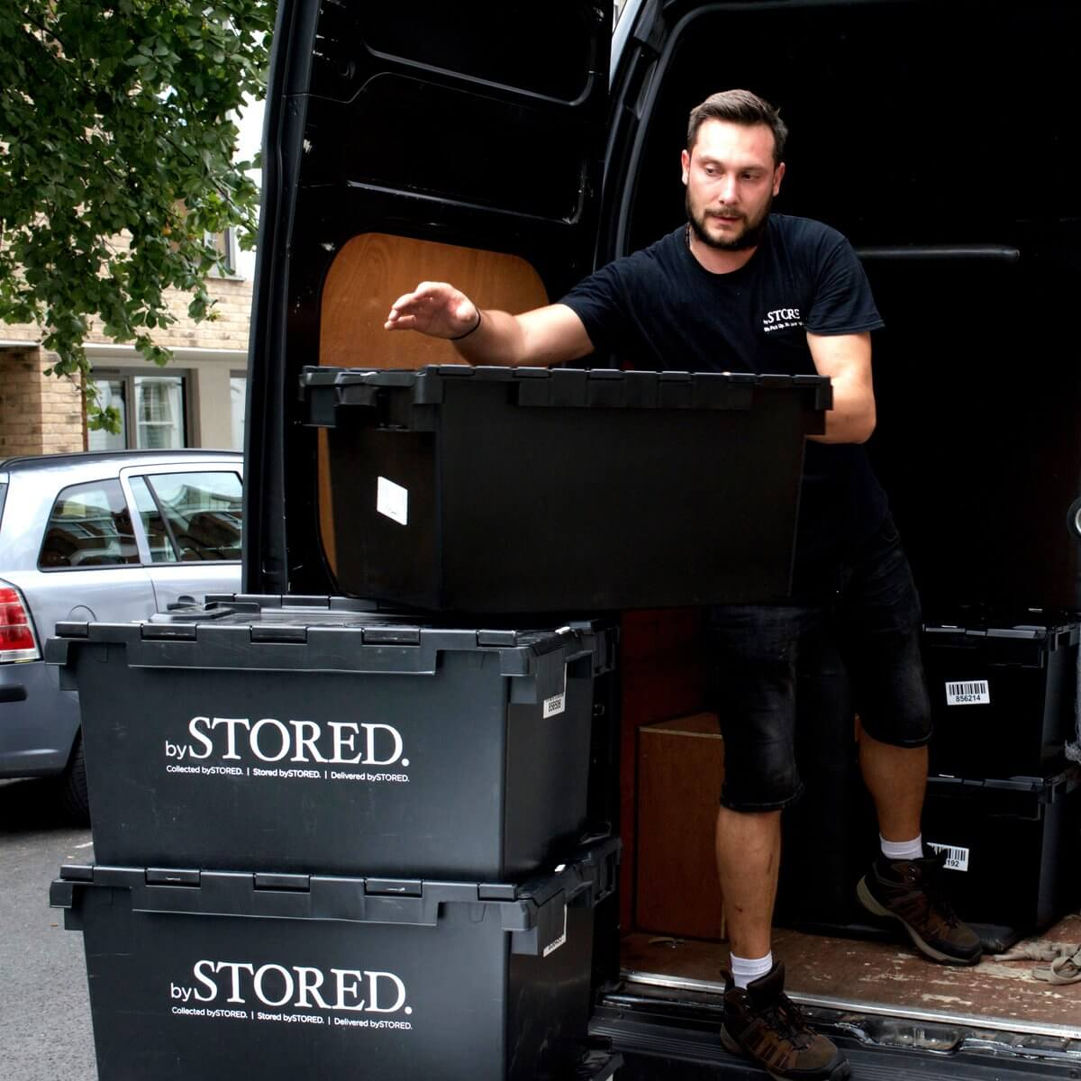 A man during a removal on a removal van.