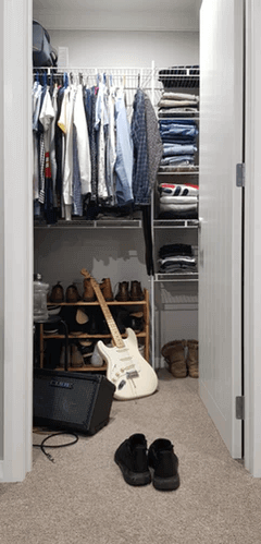 Hanging Closet Organizer.
