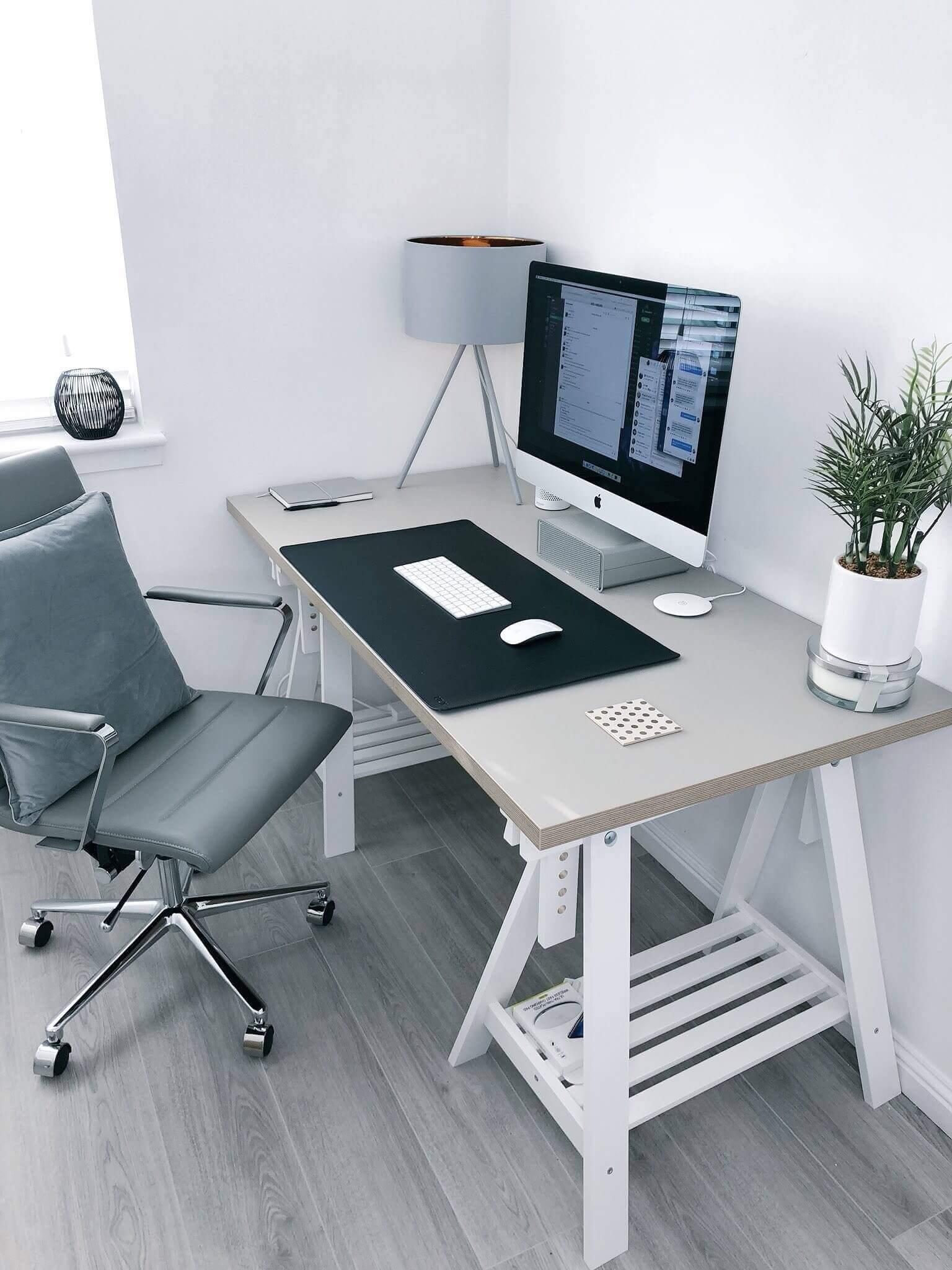 Straight desk.